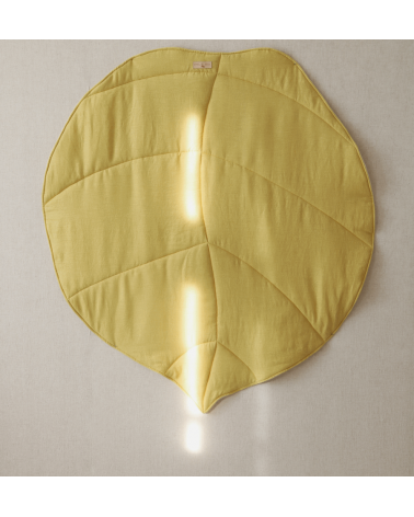 tapis de je en lin feuille jaune moutarde