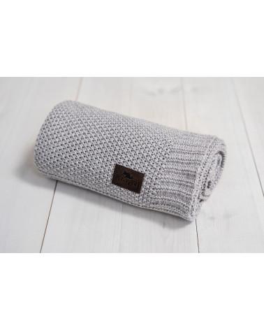 couverture grise en bambou