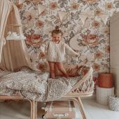 Magnifique chambre dans les tons beige.  Le papier peint est le modèle été en Australie :-)  Photo : @head_of_swans   #decochambrebebe #chambrebebe #chambreenfant #chambrebebefille #papierpeint #papierpeintenfant #fleurs #futuremaman #nature #decomurale #bebe #papierpeintbebe #dekornik #petibisonboutique #decointerieur #chambre #bébé2021