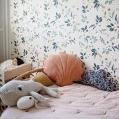 Petit coussin coquillage en lin et coton en version papaya. Il existe en plusieurs jolis coloris comme sable, caramel ou miel :-).  Photo : @clelia.lam  #kidsroom #babyroom #decorationinterieur #decorforkids #kidsdecor #decochambrebebe #chambrebebe #chambreenfant #chambrebebefille #fleurs #futuremaman #nature #deco #bebe #moimili #chambrebébé #petibisonboutique #coussin #deco #coquillage #papaya