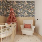 Inspiration chambre ! Voilà une très jolie idée de poser le papier peint à la mi-hauteur du mur !  Ici le modèle de papier peint Animaux mignons de la forêt fond sombre :-)  Que pensez-vous de cette idée ?  Photo : @skrzypczynski_pracownia #kidsroom #babyroom #decorationinterieur #decorforkids #kidsdecor #decochambrebebe #chambrebebe #chambreenfant #chambrébé #papierpeint #papierpeintenfant #animaux #futuremaman #nature #decomurale #bebe #papierpeintbebe #dekornik #petibisonboutique #foret #nature