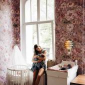 Inspiration chambre enfant ! Magnifique papier peint à fleurs : Bouquet de fleurs - tons lilas.  Photo: @kamilaszczawinska   #kidsroom #babyroom #decorationinterieur #decorforkids #kidsdecor #decochambrebebe #chambrebebe #chambreenfant #chambrebebefille #papierpeint #papierpeintenfant #fleurs #futuremaman #nature #decomurale #bebe #papierpeintbebe #dekornik #petibisonboutique #romantique #tapisserie #chambrebébé