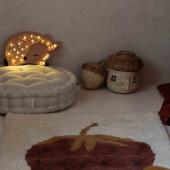 Cette adorable veilleuse en bois biche donne une jolie lumière  toute douce grâce aux petites ampoules led.  Vous pouvez également régler sa luminosité. Votre bébé adorera !   Photo @dreamitdoit.pl   #decochambrebebe #decoenfant #chambreenfant #chambrebebe #lampeenfant #veilleuse #biche #lampebebe #bebe #cadeaunaissance #cadeaudenaissance #futuremaman #petitbisonboutique #littlelights #bois #forer #lampe #instadeco  #kidsroom #babyroom #decorationinterieur #decorforkids #kidsdecor