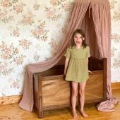 Dans l'esprit Vintage ! Voici un nouveau modèle de papier peint roses vintage ! Qu'en pensez vous ?   Photo : @mini_bandit_vintage :-)    #decochambrebebe #chambrebebe #chambreenfant #chambrebebefille #papierpeint #papierpeintenfant #fleurs #futuremaman #nature #decomurale #bebe #papierpeintbebe #dekornik #petibisonboutique #romantique #vintage #chambre