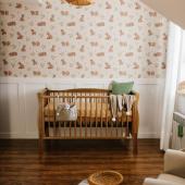 Créer un joli coin pour l'arrivé de bébé:-)  Qu'en pensez-vous ?  Papier peint oursons et lit bébé cot vintage 60 cm x 120 cm sont disponibles en ligne :-)  Photo : @dzastam   #kidsroom #babyroom #decorationinterieur #decorforkids #kidsdecor #decochambrebebe #chambrebebe #chambrebébé #papierpeint #papierpeintenfant #oursons #futuremaman #nature #decomurale #bebe #papierpeintbebe #dekornik #petibisonboutique #litbébé #vintage #woodies #woodiessafedreams